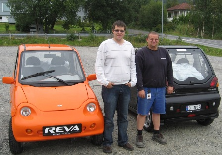 Sjarmerer seg gratis over broen i Ålesund med elbil